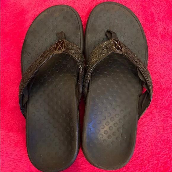 f0c580988b0 Vionic Tide sequins flip flops sandals 8 black. M 5a3d5f3985e6057e2a027907